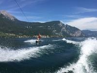 Sådan kommer du op på wakeboard
